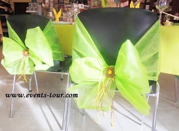 Noeud de chaise vert avec chemin de table 1