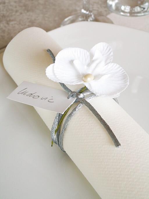 Orchidee blanche pour serviette de table