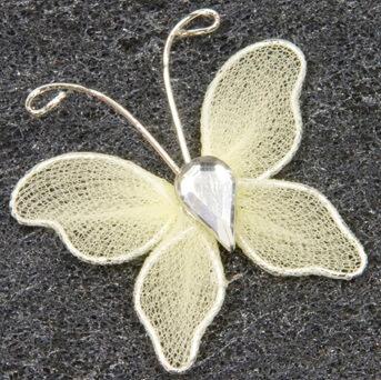 Papillon ivoire 1