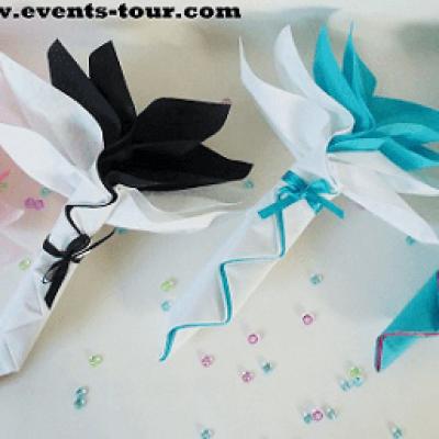 Pliage de serviette Airlaid fleur tropicale (x1) REF/10046