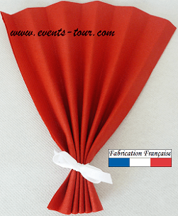 Pliage de serviette eventail rouge 1