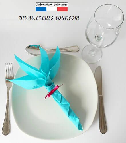 Pliage de serviette fleur bleu turquoise
