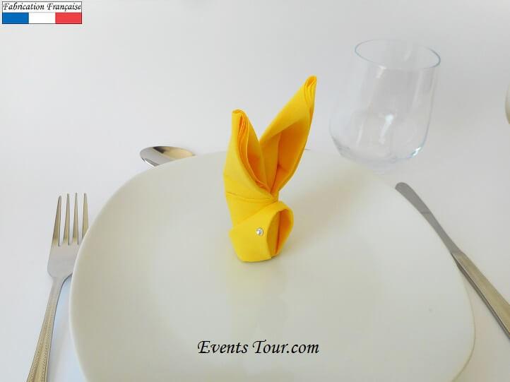 Pliage de serviette lapin jaune