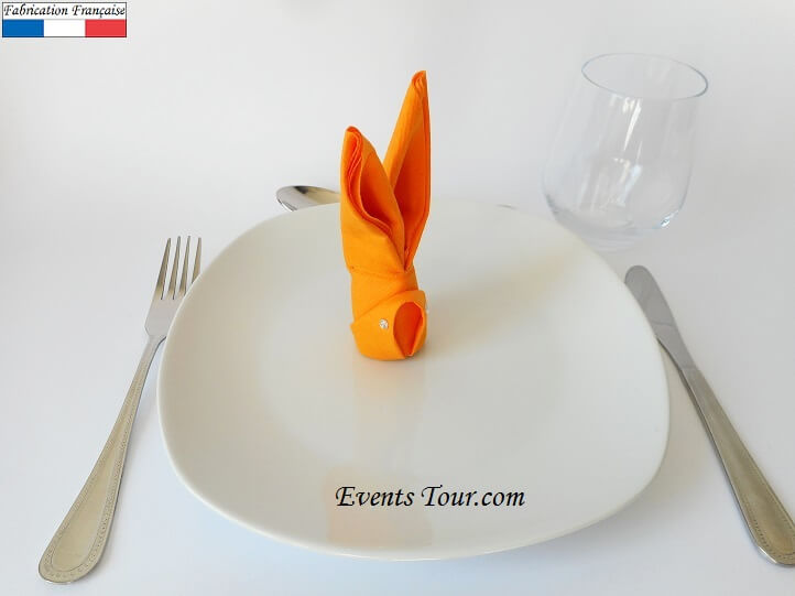 Pliage de serviette lapin orange