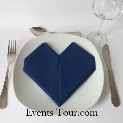 Pliage de serviette mariage coeur bleu marine (x1) REF/10040