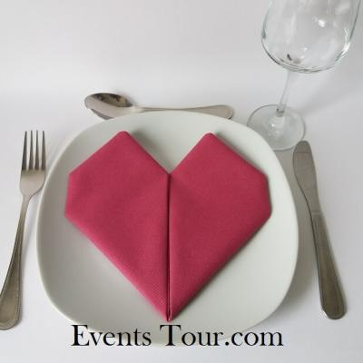 Pliage de serviette mariage coeur framboise (x1) REF/10040