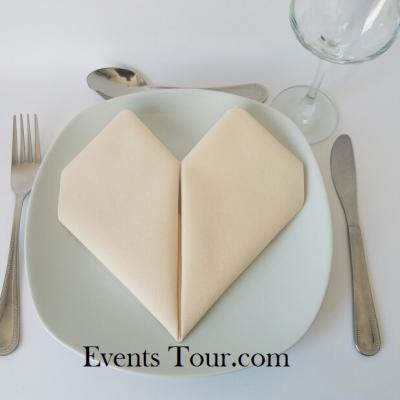 Pliage de serviette mariage coeur ivoire (x1) REF/10040