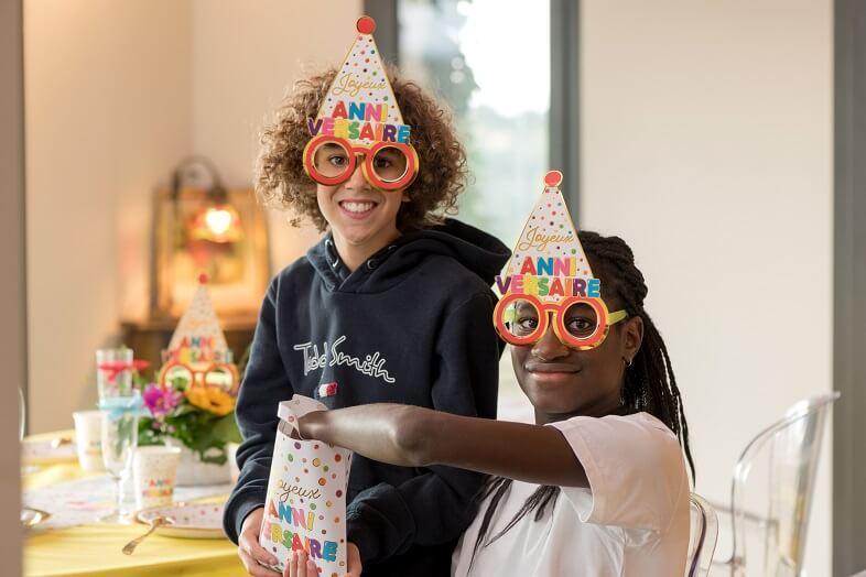 Sac a bonbon joyeux anniversaire multicolore