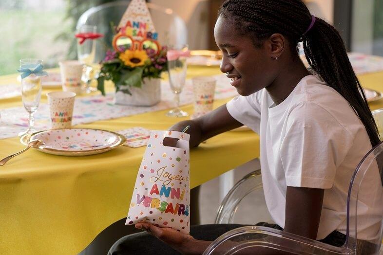 Sac pour bonbon joyeux anniversaire multicolore