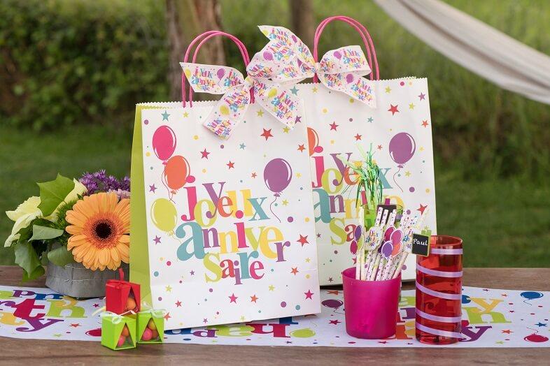Sachet cadeau anniversaire multicolore