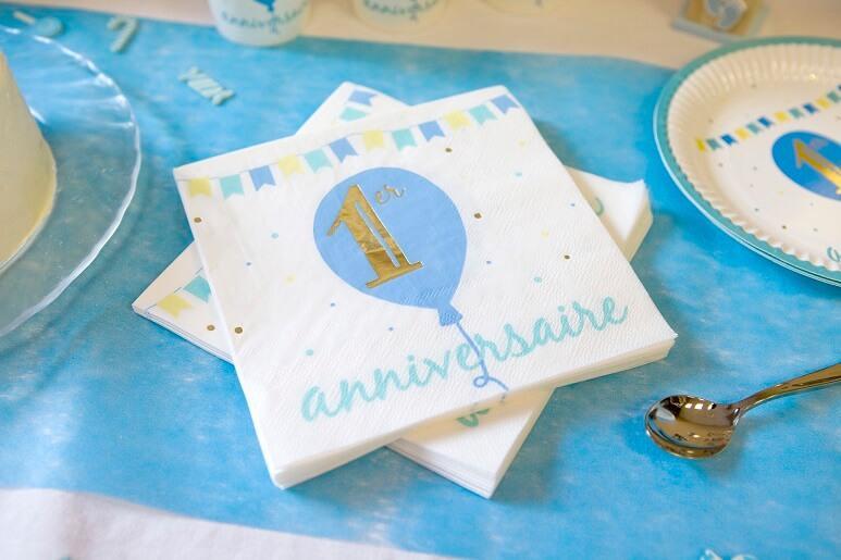 Serviette de table anniversaire 1 an bleu ciel dore et blanc