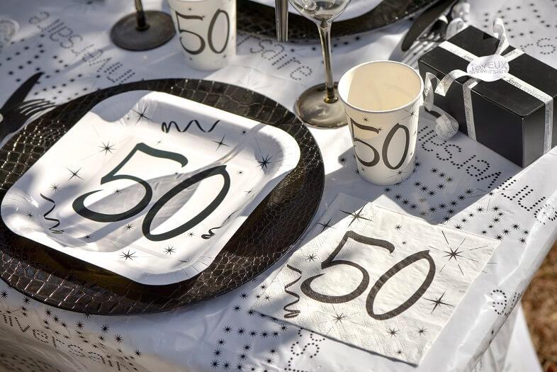 Serviette fete anniversaire 50ans blanc et noir