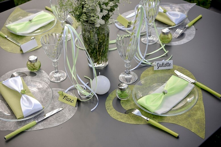 Set de table mariage coeur vert