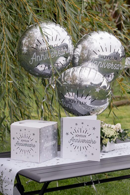 Tirelire joyeux anniversaire blanc et argente metallise