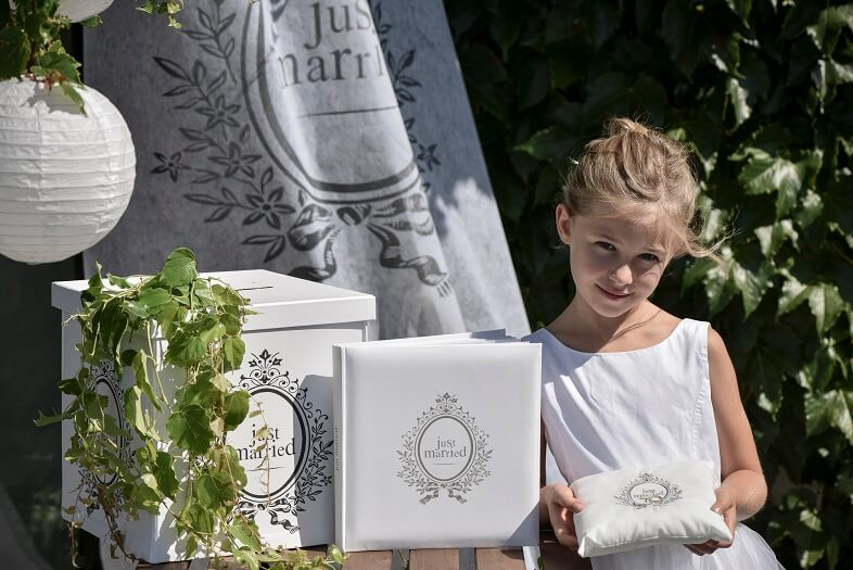 Urne blanche coeur mariage avec livre d or just married