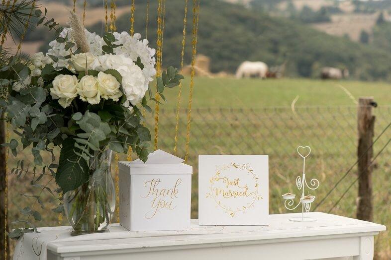 Urne et livre d or mariage doree et blanche