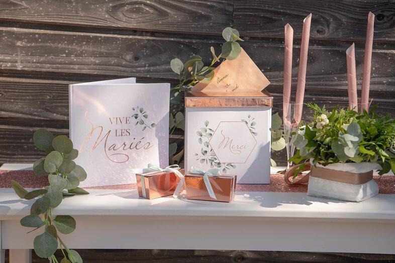Urne tirelire mariage champetre bucolique blanche verte et rose gold metallique